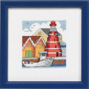 14-5195 Rødt fyrtårn på havnen