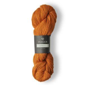 Garn Fakta om Alpaca 2 Materialet er 50% alpaca og 50% uld Der er 50 gram garn i et nøgle Løbelængden er ca. 250 meter Bør vaskes i hånden og tørres liggende