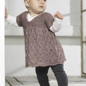 Strikkeopskrift på babykjole