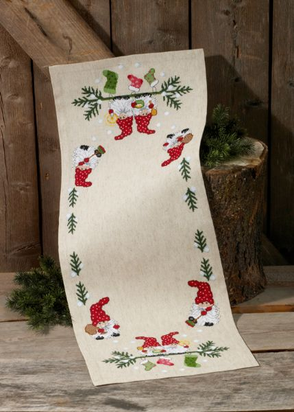 Juleløber med nisser og sokker